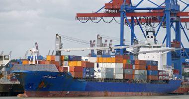 Foto : Shipping-ul internațional declară  război corupției din porturile lumii