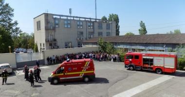 Simulare de cutremur la Universitatea