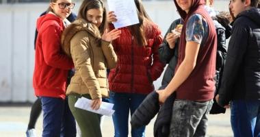 FARSA DE ZILE MARI făcută de DEXONLINE elevilor care au vrut SĂ COPIEZE la simulare