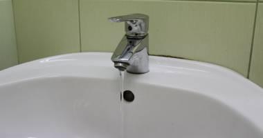 Avarie RAJA. Mai multe străzi din Constanţa au rămas fără apă rece