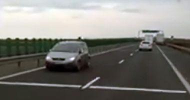 Şofer surprins când mergea pe contrasens, pe autostradă