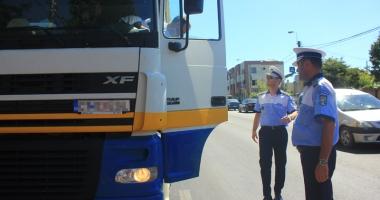 Şofer profesionist la 18 ani! Şcolile de şoferi cer schimbarea legislaţiei rutiere