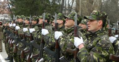 Soldaţii profesionişti  de la Mangalia au depus jurământul militar
