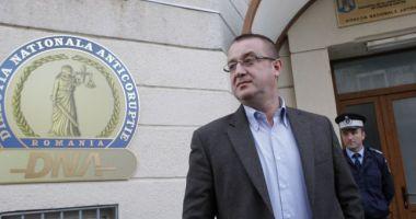 Sorin Blejnar, condamnat în primă instanţă la 6 ani de închisoare pentru trafic de influenţă