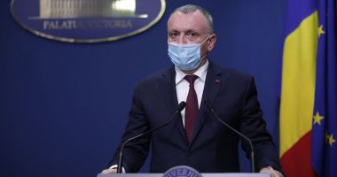 Sorin Cîmpeanu cere reanalizarea obligativităţii purtării măștilor de protecție la orele de sport