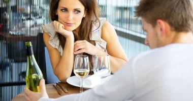 Detectivul, soţia infidelă  şi incertitudinea soţului