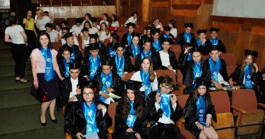"""Spectacol de sfârșit de an la Şcoala """"Lucian Grigorescu"""" din Medgidia"""