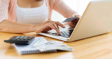 Taxele şi impozitele locale pot fi plătite fără să staţi  la coadă, la ghişeu