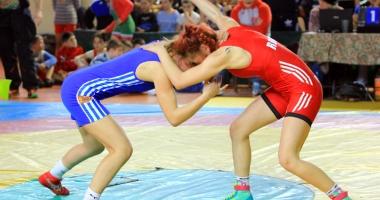 Luptătoare de la LPS Constanţa, campioană naţională la