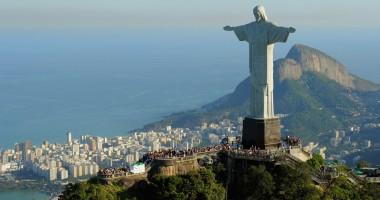 Statuia din Rio, luminată în culorile echipelor finaliste ale Cupei Mondiale