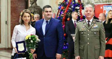Eliza Samara, premiată de ministrul Apărării Naţionale