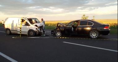 GRAV accident: impact frontal între două autoturisme! Opt victime, între care doi copii