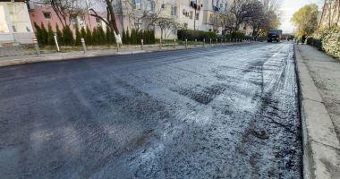 Se îmbunătățesc condițiile de circulație pe strada Parâng