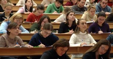 Studenţii, înapoi la cursuri