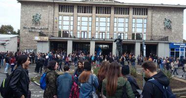 GALERIE FOTO / Studenţii s-au strâns la festivitatea de deschidere a anului universitar