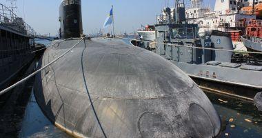 Submarine de la greci sau cai verzi pe pereţi? Vrei să torpilezi familii întregi de bravi amirali?