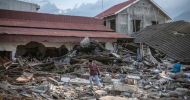 Bilanţul cutremurului urmat de tsunami din Indonezia a ajuns la peste 2.000 de morți
