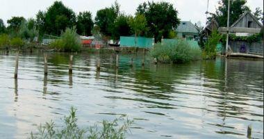 Dunărea a inundat faleza din Sulina. Cod portocaliu de inundaţii