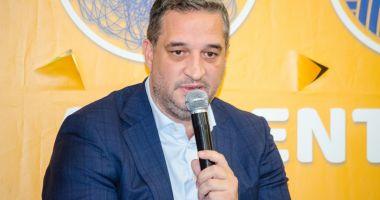 Supermarketurile trebuie să bată la uşa agricultorilor români şi nu invers