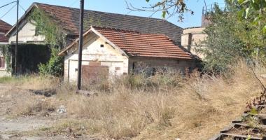 Foto : Supraimpozitare pentru clădirile neîngrijite. Cine apare pe lista ruşinii, la Constanţa