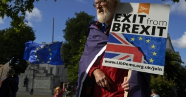 GALERIE FOTO / Mii de londonezi protestează, sâmbătă, împotriva Brexitului