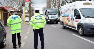 Sute de poliţişti constănţeni, prezenţi în stradă, în acest week-end