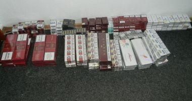 Sute de pachete de ţigări, confiscate din zona Gării  şi Piaţa Abator