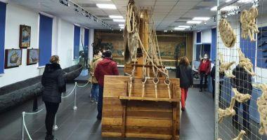 Sute de vizitatori, în weekend, la Muzeul Naţional al Marinei Române