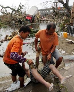 Taifunul Haiyan a ucis 4.460 de persoane