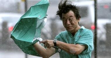 ALERT� MAXIM� �n sudul Japoniei: Un taifun foarte puternic se �ndreapt� c�tre insula Okinawa