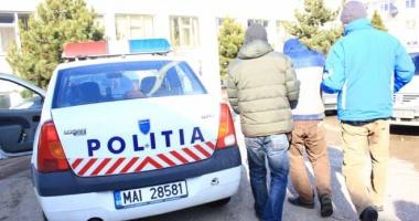 Minor de 15 ani, din Constanţa, reţinut pentru furtul a două telefoane mobile