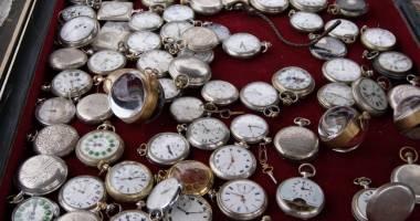 Târg de artă şi antichităţi în Piaţa Oidiu