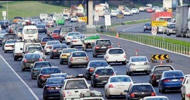 Taxă auto mai mare pentru şoferii care circulă cu maşini vechi prin Europa