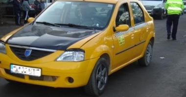 Şofer de taxi, găsit mort în maşină