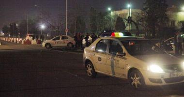 Bătaie între taximetrişti şi şoferii Uber. Sunt mai mulţi răniţi, 12 persoane au fost duse la audieri