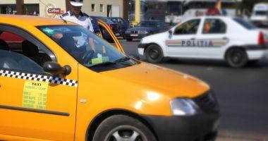 Taximetriştii piraţi, amendaţi de Poliţia Locală