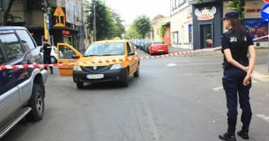 Imagini de groază. Teroare în centrul Constanţei. Taximetrist înjunghiat, atacatorul - mort!