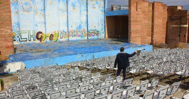 Teatrul de Vară din Mamaia stă să cadă. Îl renovăm cu milioane de euro sau construim altul nou?