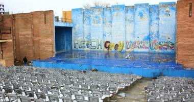 Teatrul de Vară din Mamaia a ajuns o ruină. Ce planuri are Consiliul Judeţean