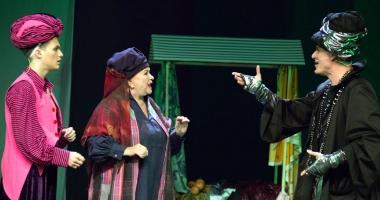 """Teatrul """"Stela Popescu"""" îl aduce pe """"Aladin"""" la Casa de Cultură"""