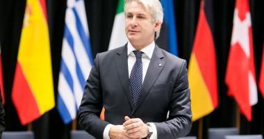 Ministrul fondurilor europene se întâlneşte cu comisarul european pentru politică regională