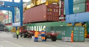 Porturile Constanţa şi Midia: 41 de nave sub operaţiuni de încărcare - descărcare