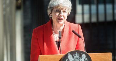 Theresa May va demisiona, oficial, azi