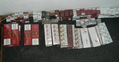 Prinşi cu ţigări de contrabandă
