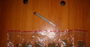 Tineri prinşi cu droguri, în zona Pescărie