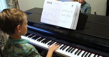Tinerii pianişti se întrec într-o nouă competiţie
