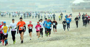 Ţineţi ritmul! Luna viitoare, alergăm  la Maratonul Nisipului