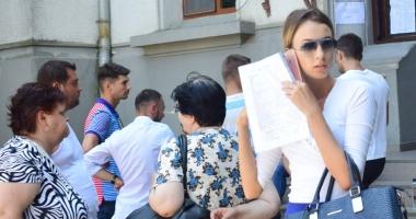 Ruşinos! Profesor prins copiind  la titularizare,  alţi 93 au ieşit  din examen