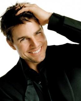 Tom Cruise, bănuit că e homosexual