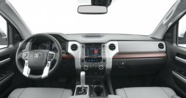 Toyota recheamă în service 1,06 milioane de automobile. 946.000 de maşini au fost vândute în Europa